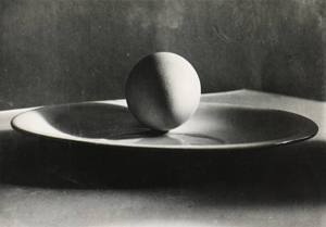 Josef Sudek-untitled-egg on plate-1930